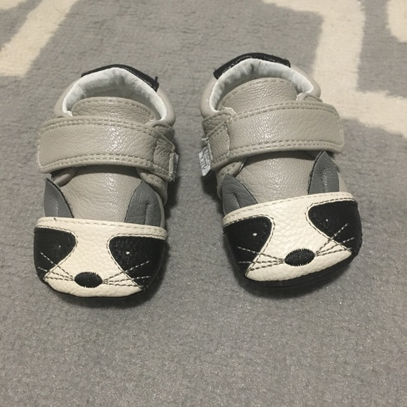 8524b48c01d99 Super cute raccoon baby shoes!